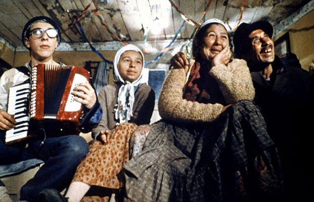 「ジプシーのとき」監督:エミール・クストリッツァ 出演:ダボール・ドゥイモビッチ ボラ・トドロビッチ他