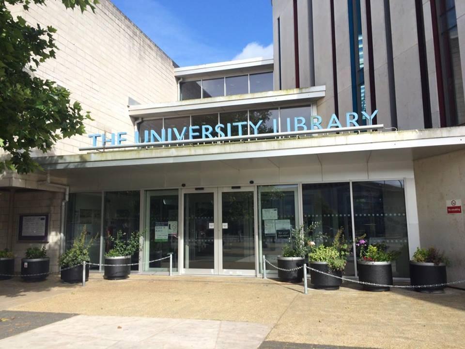 ポーツマス大学図書館